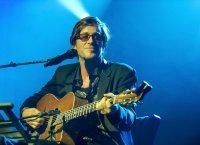 """Thomas Dutronc : """"Il n'y avait pas vraiment de guitares à la maison"""""""