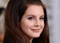 "Lana Del Rey : son album ""Honeymoon"" sortira en septembre"